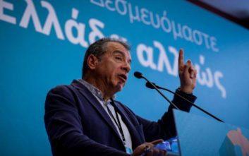 Θεοδωράκης: Η κοινωνία πρέπει να βγει από τον πολιτικό λαβύρινθο