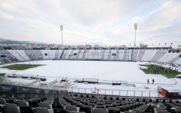 Καλύφθηκε με χιόνι το γήπεδο της Τούμπας