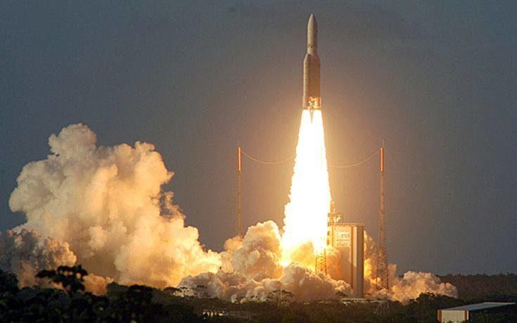 Η εκτόξευση του δορυφόρου Hellas Sat 4