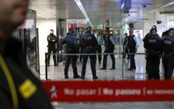 Νεκρός ο μηχανοδηγός του ενός από τα δύο τρένα που συγκρούστηκαν στην Καταλονία