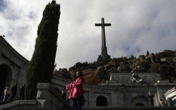 Με ισχυρό συμβολισμό η σημερινή εκταφή του Φρανθίσκο Φράνκο στην Ισπανία