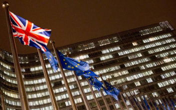 «Η χώρα θα μετάνιωνε για πάντα μια έξοδο από την Ε.Ε. χωρίς συμφωνία»
