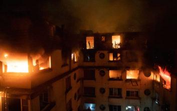 Με «ψυχιατρικό ιστορικό» η γυναίκα που συνελήφθη για τη φωτιά στο Παρίσι