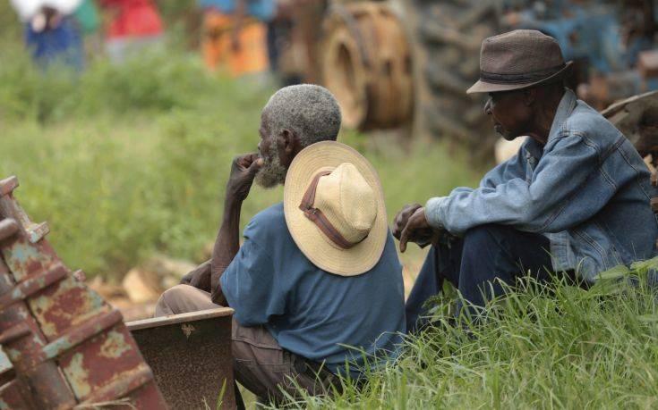 Η Ζιμπάμπουε κινδυνεύει να μείνει χωρίς ψωμί