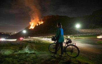 Μεγάλες πυρκαγιές στη Βρετανία λόγω του ασυνήθιστα ζεστού χειμώνα