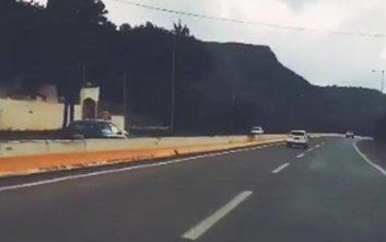 Αυτοκίνητο πήγαινε ανάποδα σε αυτοκινητόδρομο της Κρήτης για αρκετή ώρα