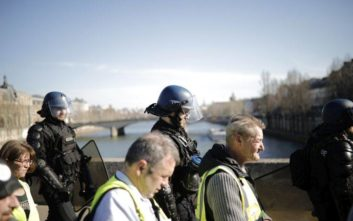Δέκατη πέμπτη ημέρα κινητοποίησης των «κίτρινων γιλέκων» στη Γαλλία