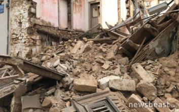 Φωτογραφίες από το εγκαταλελειμμένο σπίτι που έπεσε στην Πνύκα