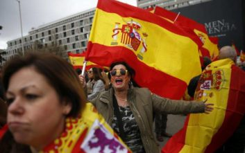 «Πόλεμος χαρακωμάτων» ανάμεσα στα τρία κόμματα της ισπανικής δεξιάς