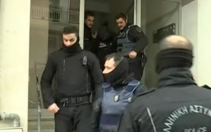 Η επεισοδιακή καταδίωξη και σύλληψη 4 ληστών στην πολυκατοικία στη Θεσσαλονίκη