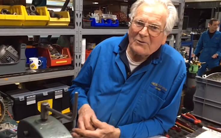 Ο άνθρωπος που έκανε την ίδια δουλειά στο ίδιο εργοστάσιο για 62 χρόνια
