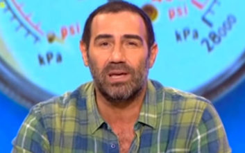 Ξέσπασε ο Αντώνης Κανάκης στο «Ράδιο Αρβύλα»: Είναι θρασύδειλο, ένας ρε πού…η μου εκεί μέσα