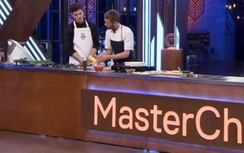 Ο σεφ που εμφανίστηκε με... πικάπ στο πλατό του MasterChef