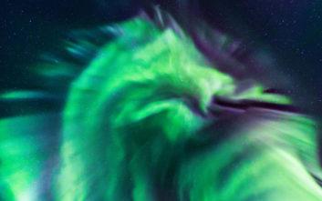 Τι είναι ο θεαματικός «πράσινος δράκος» πάνω από την Ισλανδία