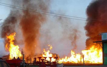 Κόλαση φωτιάς σε εργοστάσιο στη Λάρισα, φόβοι για έκρηξη