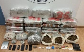 Για περισσότερα από 45 κιλά ναρκωτικών συνελήφθησαν τρία άτομα στην Καλλιθέα