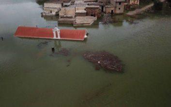 Το χωριό της Κρήτης που βυθίζεται κάτω από το νερό