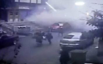 H στιγμή της κατάρρευσης του πολυώροφου κτιρίου στην Κωνσταντινούπολη