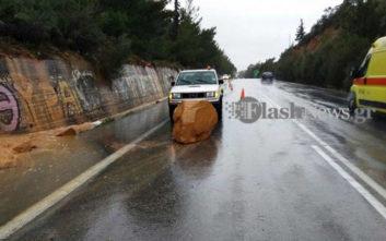 Πτώση μεγάλου βράχου στην εθνική οδό Χανίων - Ρεθύμνου