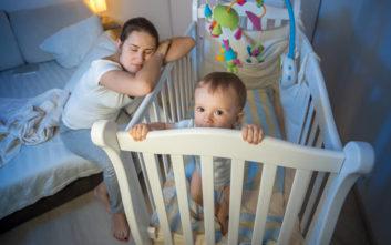 Η αϋπνία στους νέους γονείς μπορεί να κρατήσει έξι χρόνια