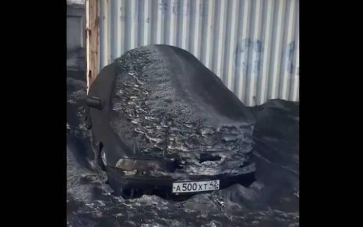 «Εικόνες αποκάλυψης» στη Σιβηρία όπου έπεσε μαύρο χιόνι