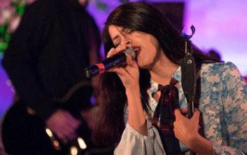 Αυτή είναι η τραγουδίστρια που θα εκπροσωπήσει την Ελλάδα στη Eurovision