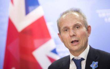 «Εγκρίθηκαν νομικά δεσμευτικές αλλαγές στη συμφωνία του Brexit»