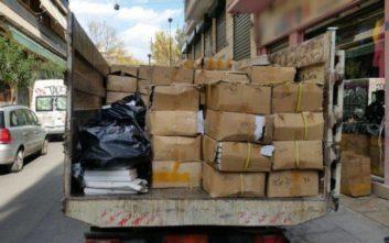 Πιάστηκε με ένα ολόκληρο φορτηγό γεμάτο προϊόντα «μαΐμου»