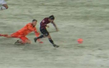 Πώς το χιόνι μπορεί να σταματήσει ένα σίγουρο γκολ