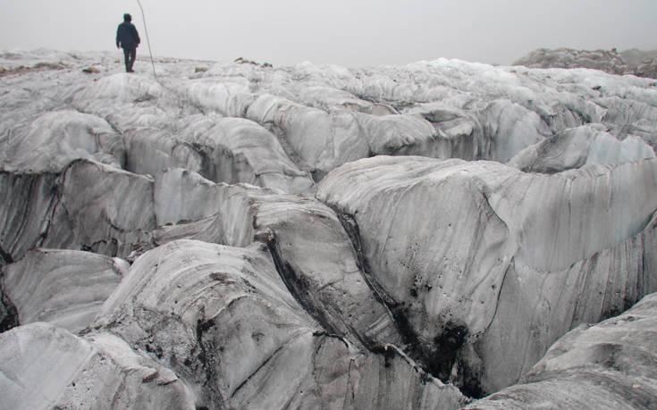 Κομμάτια παγετώνα προκάλεσαν ζημιές στη ρωσική και την κινεζική αποστολή στην Ανταρκτική