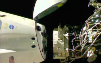Επέστρεψε στη Γη το αμερικανικό διαστημόπλοιο του Έλον Μασκ, Crew Dragon