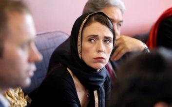 Σκληραίνει τη στάση της κατά της οπλοκατοχής η πρωθυπουργός της Ν. Ζηλανδίας