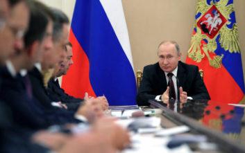Ο Πούτιν καλεί τους Βρετανούς επιχειρηματίες να επενδύσουν στη Ρωσία