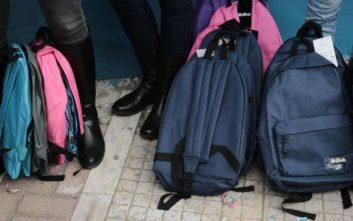 Συνεχίζεται η αποχή μαθητών στη Σάμο λόγω των προσφυγόπουλων