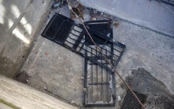 Ξήλωσαν σιδερένια πόρτα από σχολή του ΑΠΘ