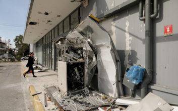 Μεγάλες ζημιές από εκρήξεις σε ΑΤΜ στο Παλαιό Φάληρο