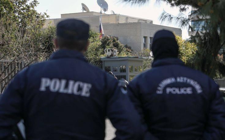 Κάμερες κατέγραψαν τους δράστες της επίθεσης στο ρωσικό προξενείο στο Χαλάνδρι