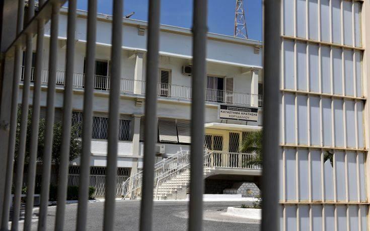 Σε εξέλιξη αιματηρή συμπλοκή μεταξύ κρατουμένων στις φυλακές Κορυδαλλού