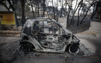 Σοκαριστικοί διάλογοι της Πυροσβεστικής στο Μάτι: «Ο παππούς θα πεθάνει εκεί μέσα, μ...»