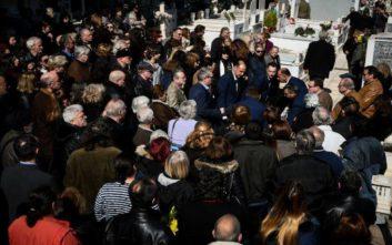 Πλήθος κόσμου αποχαιρετά το Φαίδωνα Γεωργίτση