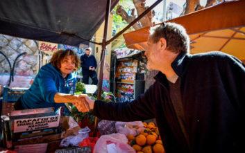 Στη Λαϊκή Αγορά της Καλλιδρομίου και στην πλατεία Εξαρχείων ο Παύλος Γερουλάνος