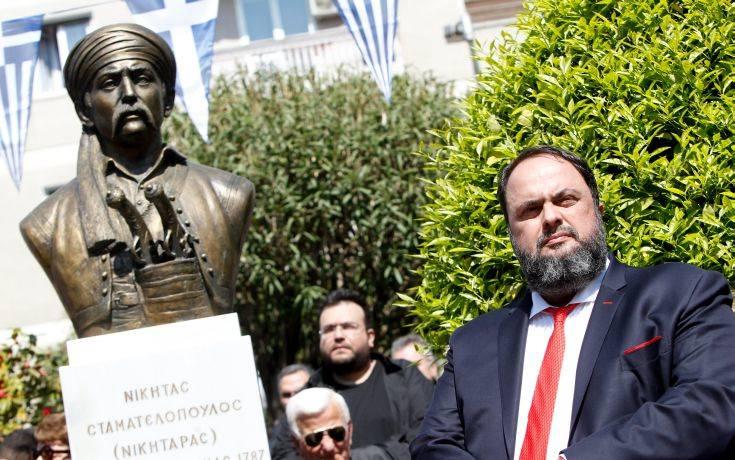 Προτομή του Νικηταρά δώρισε στον Πειραιά ο Βαγγέλης Μαρινάκης