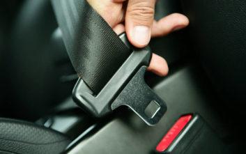 Πώς καθαρίζουμε τις ζώνες ασφαλείας του αυτοκινήτου