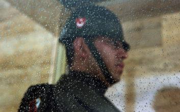 Τα στρατιωτικά μυστικά της Τουρκίας σε κίνδυνο λόγω των... σέλφι