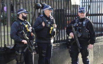 Σε επαγρύπνηση οι Αρχές της Μεγάλης Βρετανίας για τρομοκρατική απειλή μετά το χτύπημα στη Βιέννη