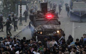 Με αίμα βάφονται οι αντικυβερνητικές διαδηλώσεις στην Αλγερία