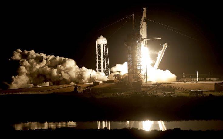 Η Space X εκτόξευσε πύραυλο με κούκλα αντί για αστροναύτη