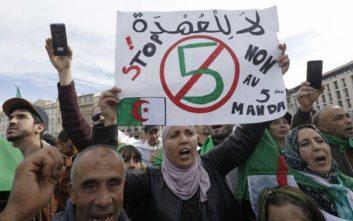 Συγκεντρώσεις Αλγερινών κατά του προέδρου Αμπντελαζίζ Μπουτεφλίκα