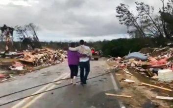 Νεκρούς και τραυματίες ανασύρουν οι διασώστες στην Αλαμπάμα