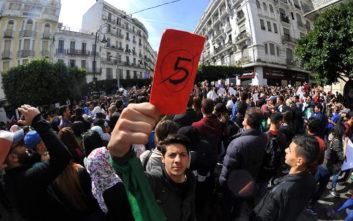 Βετεράνοι του πολέμου στο πλευρό των διαδηλωτών στην Αλγερία